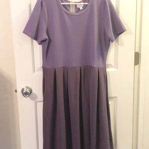 Size 2x LuLaRoe Amelia Dress (POCKETS!)